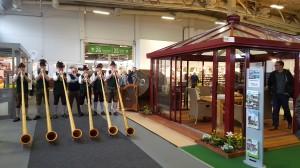 Die Alphornbläser zu Besuch in der Messehalle